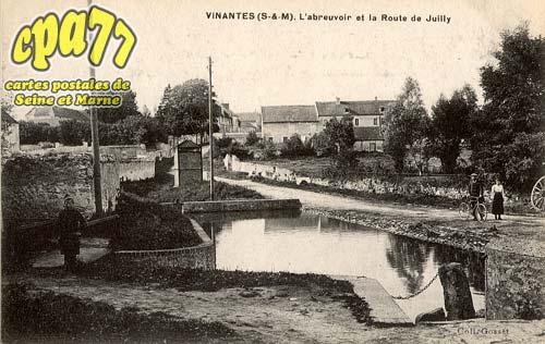 Vinantes - L'Abreuvoir et la Route de Juilly
